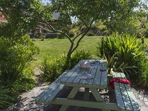 cottage terrace 300